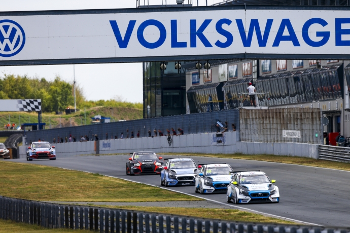2019-2019 Oschersleben Race 2---2019 TCR EUR Oschersleben Race 2, 9 Josh Files_50
