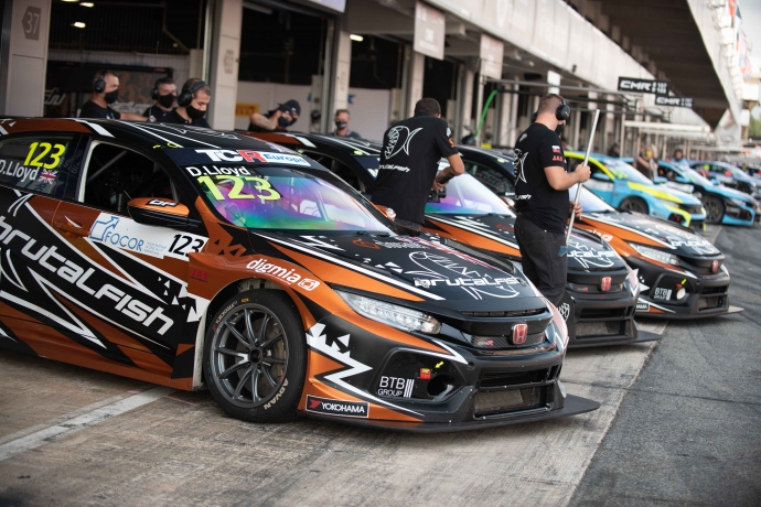 2020-2020 Barcelona Friday---2020_TCR Europe_Barcelona_Practice, pit lane_77